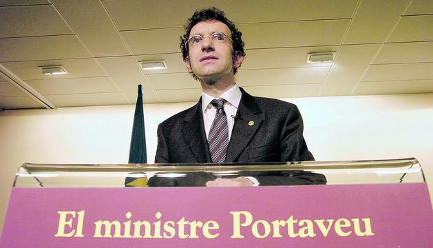 Juli Minoves en una compareixença davant la premsa quan exercia de ministre portaveu.
