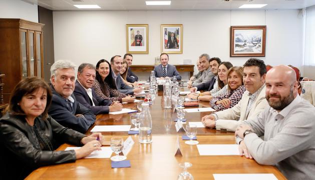 Els cònsols amb el cap de Govern, Xavier Espot, i el ministre Jordi Gallardo