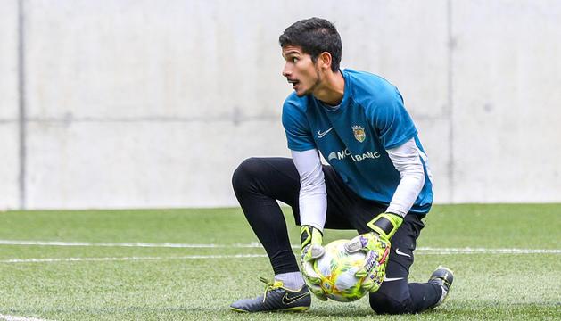 El porter de l'FCAndorra Nico Ratti en un entrenament de l'equip d'aquesta setmana.