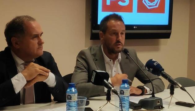 El candidat del PS portugués, Paulo Pisco, amb el líder del PS, Pere López