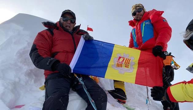 Jordi Cornella i Domi Trastoy al cim del Manaslu