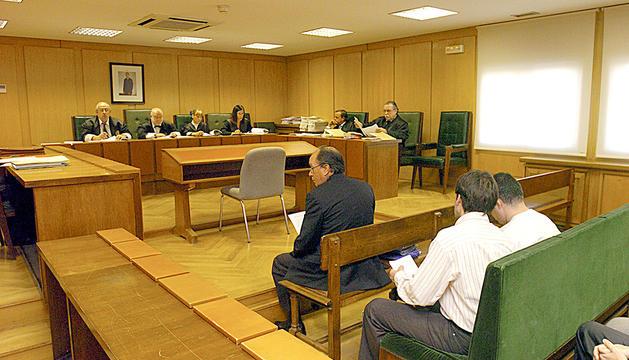 Imatge del judici de la CASS contra Rodríguez a l'Audiència Nacional espanyola el 2004.