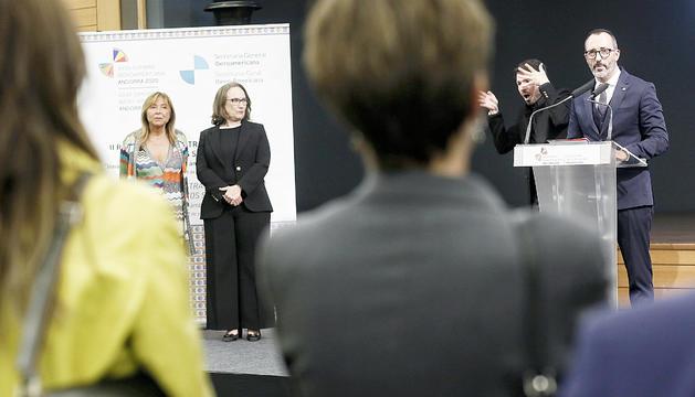 Víctor Filloy intervé, ahir, en la recepció a ministres i responsables d'Afers Socials.