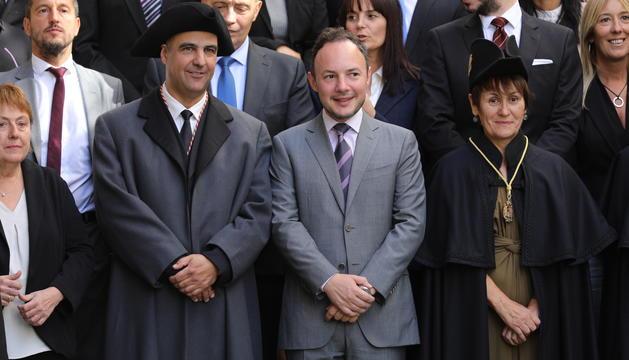 David Montané amb el cap de Govern en la foto posterior al jurament