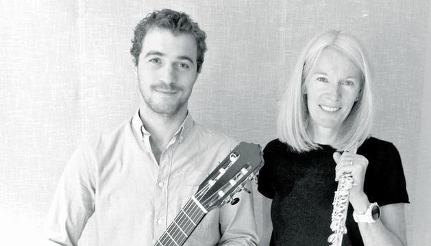 David Font i Lisa Downes integren el Duo Divertimento.