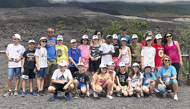 Els joves van fer una excursió a la zona volcànica del 'sud sauvage'