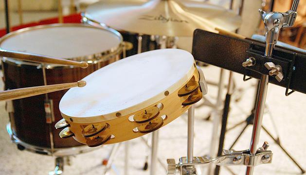 Els instruments de percussió són dels més utilitzats a la disciplina