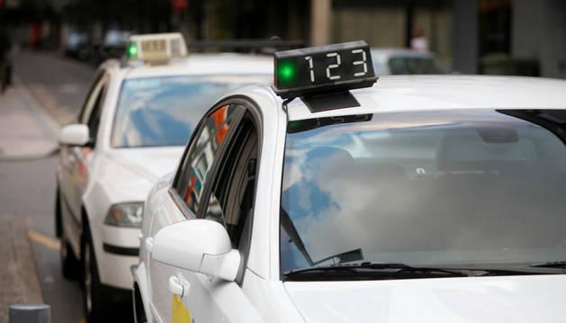 Els taxistes del Principat durant el servei.