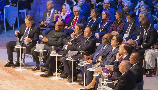 El cap de Govern durant el Fòrum de la Pau, a París