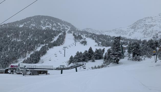 La neu arriba als 40 centímetres a les cotes altes