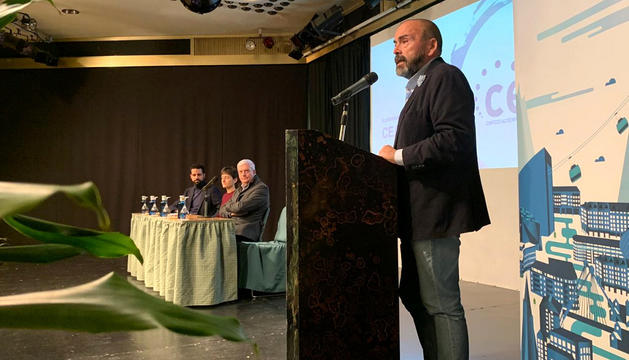 Felip Gallardo durant la presentació de la CEA Micro.