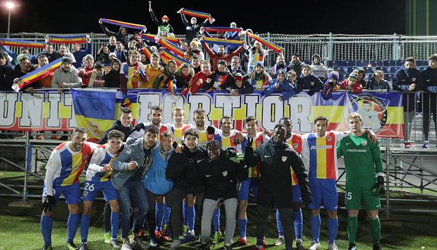 Els jugadors de l'FC Andorra celebrant l'eliminació de l'Andratx