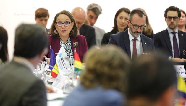 La Secretària General Iberoamericana, Rebeca Grynspan, i el ministre d'Afers Socials, Víctor Filloy.