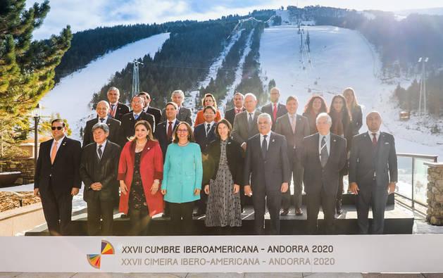 Els representants del països participants en la Reunió de ministres