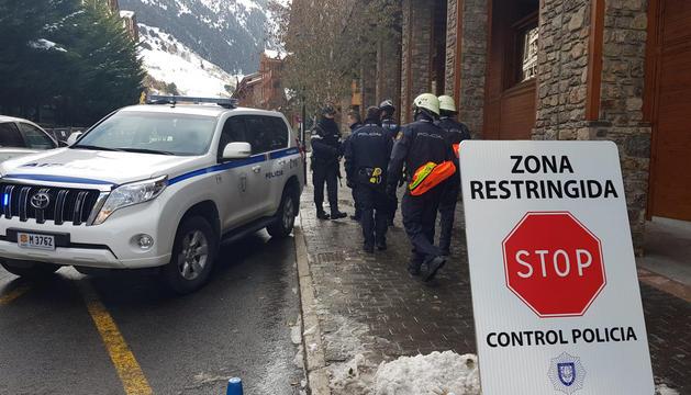Control policial a la zona de Soldeu.