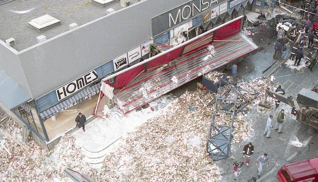 Una imatge aèria del lloc de l'accident i on es pot veure la magnitud de la tragèdia.