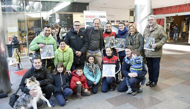 El calendari de Bombers recapta mig milió euros