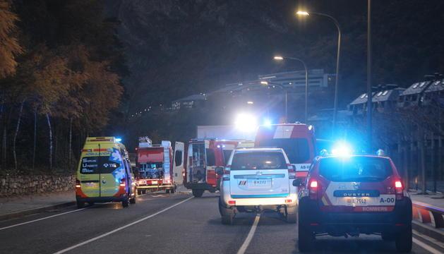 Els equips d'emergència en el lloc dels fets