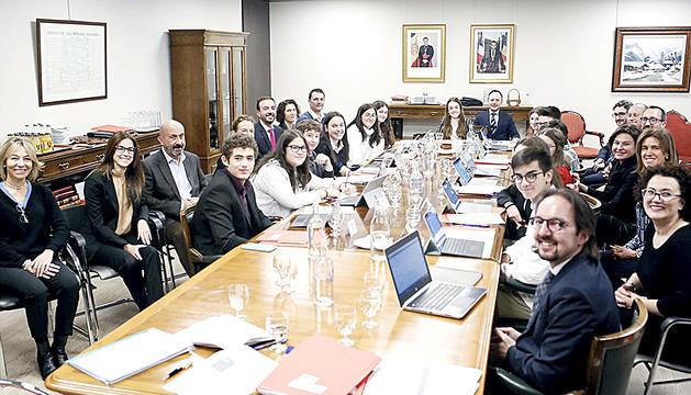 Primer consell de ministres amb joves dels tres sistemes educatius