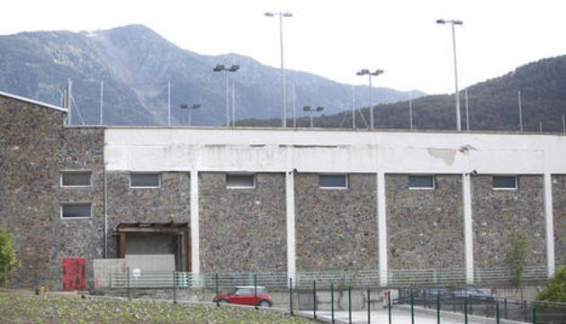 La detecció d'un assentament en un dels pilars de l'edifici ha impulsat l'encàrrec del projecte de desconstrucció