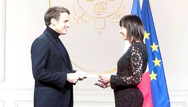 Presentació de cartes credencials a Macron