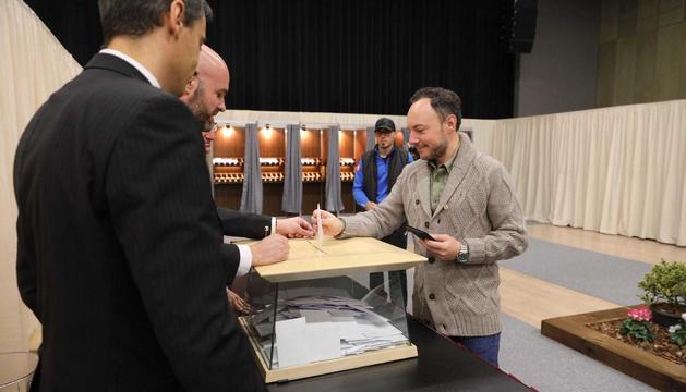 El cap de Govern ha votat al Prat del Roure escaldenc