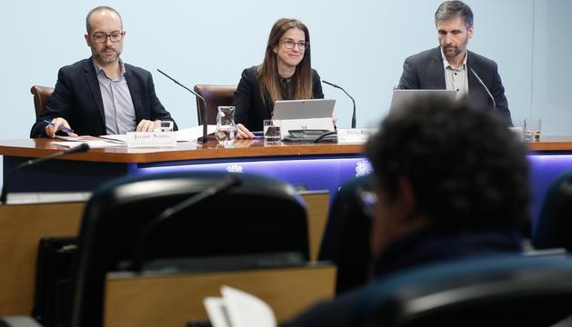 Sans, Riva i Micó durant la presentació dels resultats de l'estudi de Coneixements i usos lingüístics de la població d'Andorra