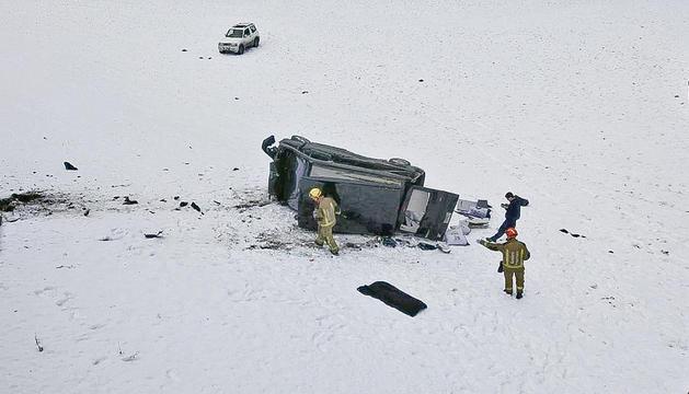 Una autocaravana cau per un talús a la cg-3 a Ordino