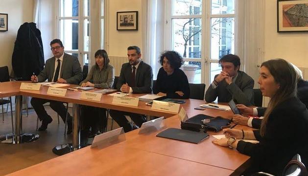 Un moment de la reunió celebrada a París