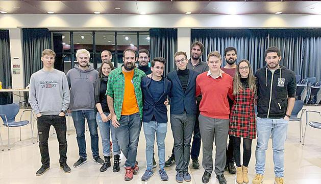 Els joves durant l'assemblea.