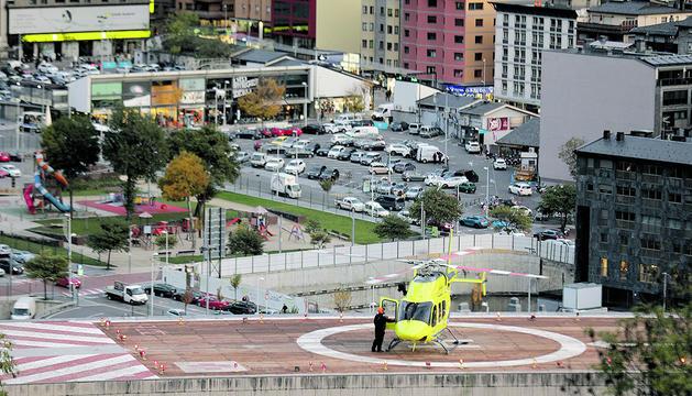 Un helicòpter sortint de l'hospital de Meritxell.