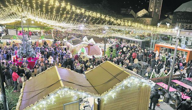 El mercat de Nadal ubicat a la plaça del Poble.