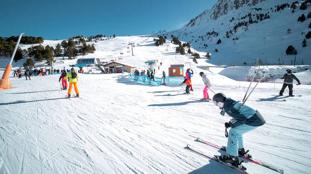 Diversos esquiadors a Grandvalira.