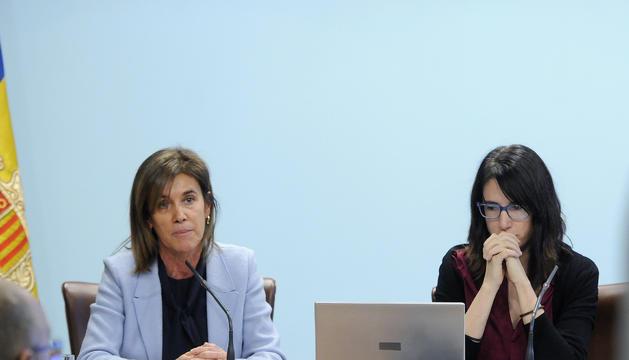 La ministra d'Educació, Ester Vilarrubla, i la directora d'AQUA, Marta Fonolleda