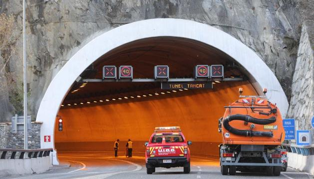 Un nou accident entre un Citroen Saxo i un BMW 323, ambdós amb matrícula del Principat, ha deixat una ferit
