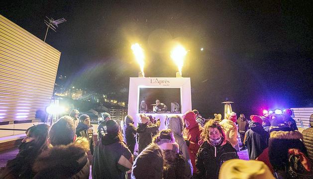 L''Après-ski by Amelie' se celebra a la zona d'accés al Funicamp.