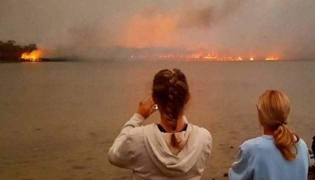 Un dels incendis que afecten Austràlia