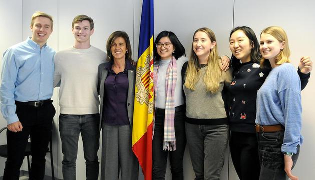 Signatura de l'acord MISTI entre el ministeri d'educació i ensenyament superior i Vallbanc i trobada amb els estudiants