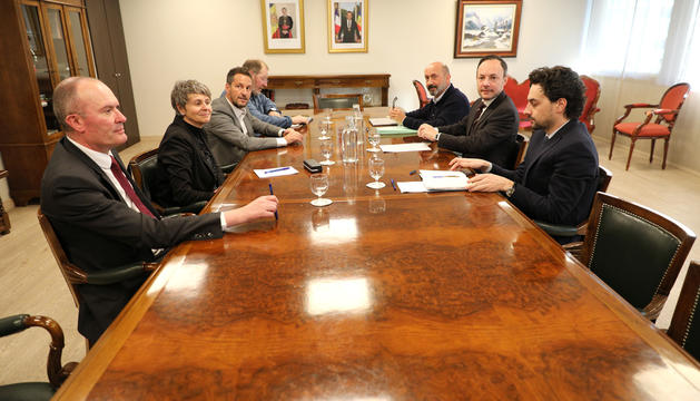 El cap de Govern i el ministre de Salut reunits amb els consellers del PS.
