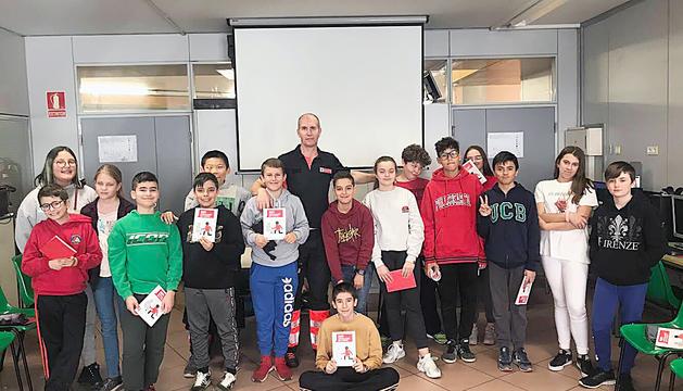Els joves del Col·legi Espanyol van rebre un curs de primers auxilis