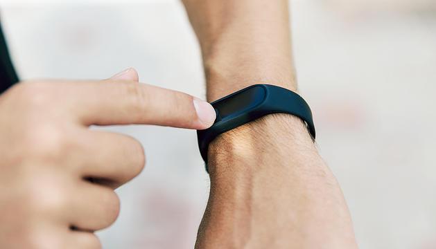 Els dispositius compten amb sensors com acceleròmetres o altímetres per captar les dades