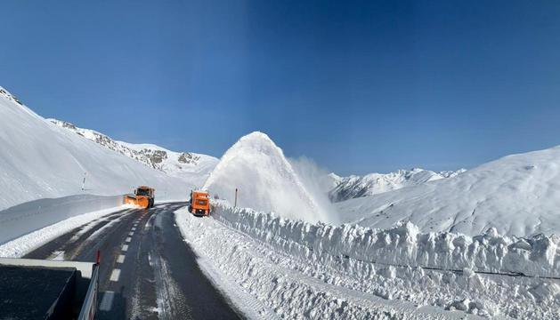 Carretera del port d'Envalira oberta al pas.