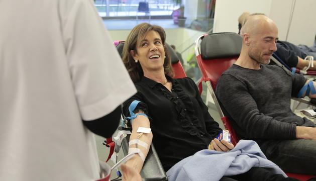 La ministra d'Educació i Ensenyament Superior, Ester Vilarrubla, també s'ha animat a donar sang en la segona campanya