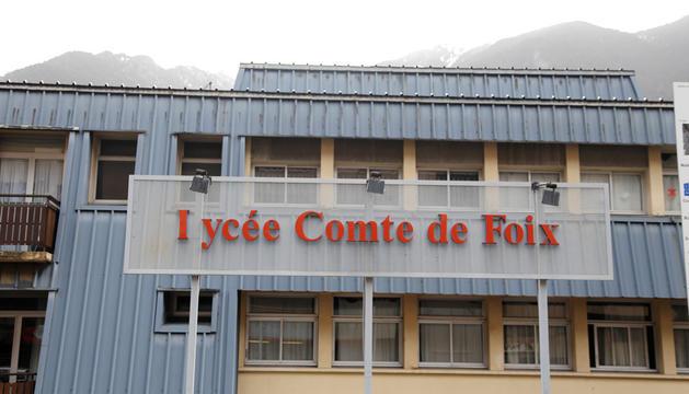 Façana del Lycée Comte de Foix.