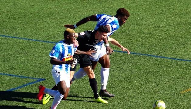 Un instant del duel entre l'Ejea i l'FC Andorra.