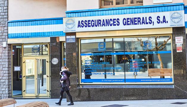 Façana de l'edifici d'Assegurances Generals a Andorra la Vella.