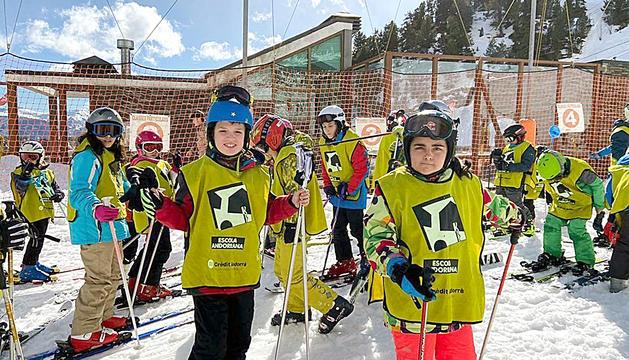 Els nens més grans de l'escola Andorrana laurediana van passar una jornada d'esquí