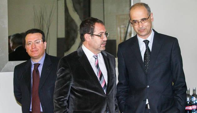 Josep Estañol amb Toni Martí en la presentació de la digtalització dels documents notarials.