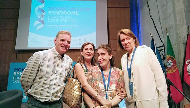 La Jana amb els doctors Mowat i Wilson a Cascaes, Portugal.