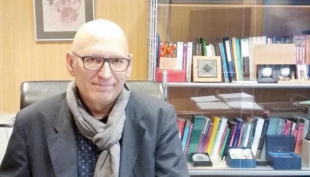 El rector de la Universitat d'Andorra durant l'entrevista.